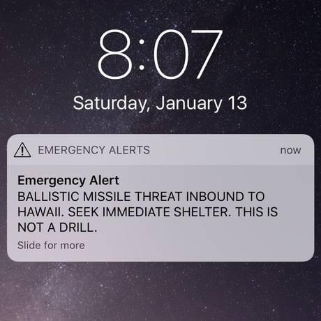 Imagem de tela da deputada Tulsi Gabbard mostra o alerta recebido Foto: SOCIAL MEDIA / REUTERS