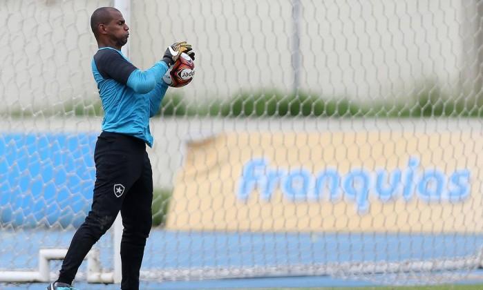 Botafogo e Portuguesa-RJ empatam na abertura da Taça Guanabara