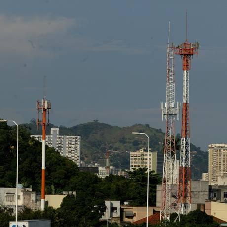 Antenas de telefonia celular em Niterói Foto: Berg Silva / Berg Silva