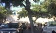 Alunos correm após alarme de emergência na Universidade do Havaí