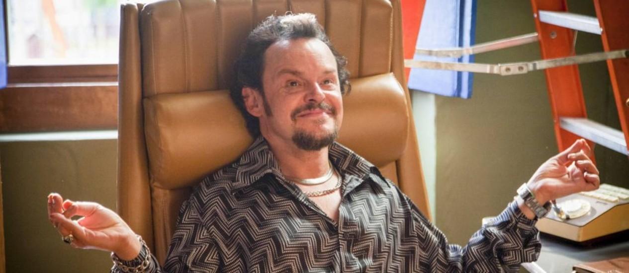 O ator Matheus Nachtergaele durante gravação da série Cine Holliúdy na cidade de Areias Foto: Divulgação/TV Globo/Marcos Rosa