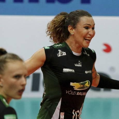 Tifanny é a primeira atleta transsexual a atuar no vôlei feminino profissional brasileiro Foto: Domingos Peixoto / Agência O Globo
