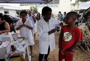 Vacinação contra a febre amareça em Valença, no Sul Fluminense Foto: Domingos Peixoto - 14/01/2017 / Agência O Globo