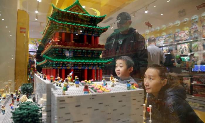 Lego pode lançar rede social para crianças na China