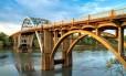 A ponte Edmund Pettus, na cidade de Selma, estado do Alabama, cenário do 'domingo sangrento', grande marco da luta por direitos civis nos EUA dos anos de 1960