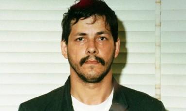 Marc Dutroux, em fotografia divulgada pela polícia belga, em 1996 Foto:  / AP