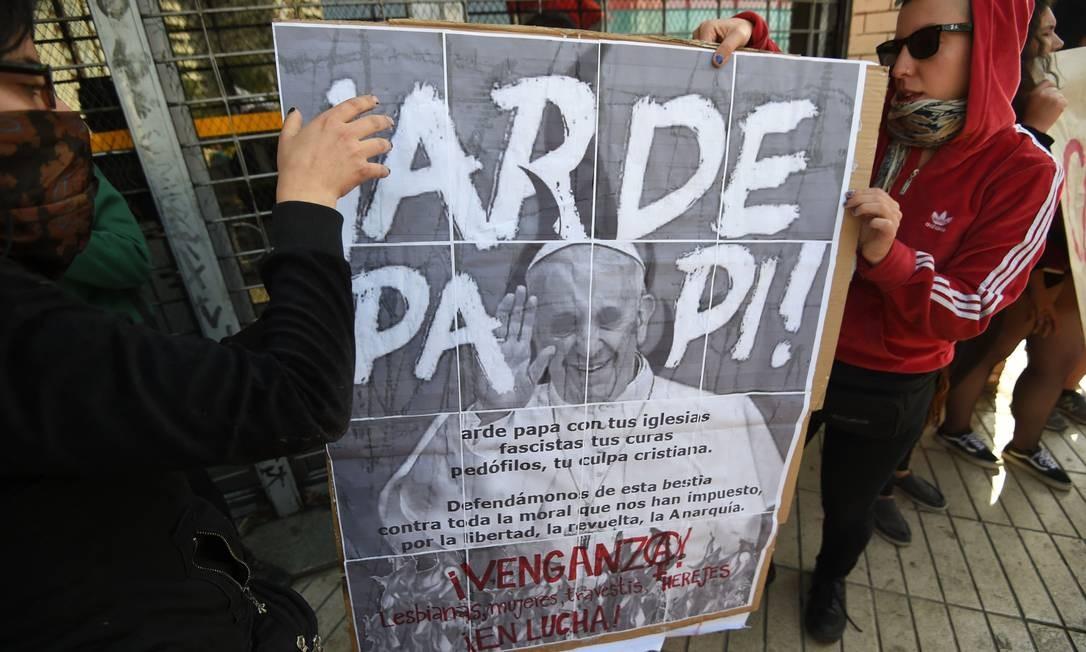 Mas ativistas criticam a resposta do Vaticano aos casos de abuso sexual de menores por sacerdotes Foto: EITAN ABRAMOVICH / AFP