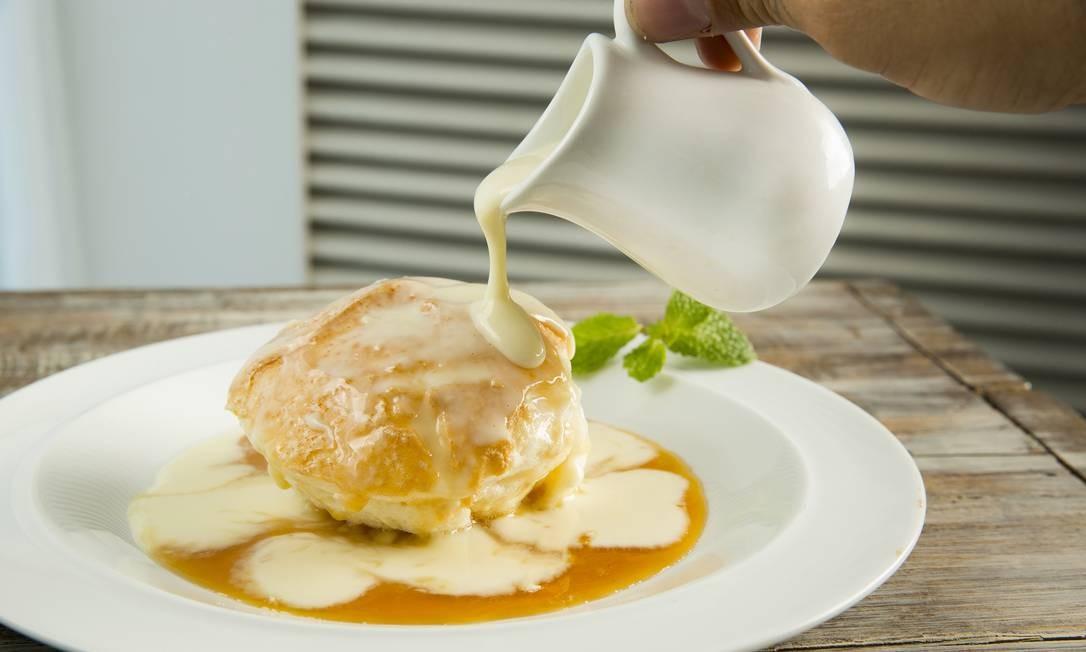 Mensateria. Pudim de claras com creme inglês, de sobremesa. Menu servido no almoço (R$ 55). Av. das Américas 1.155, Barra (2486-2020). Foto: Divulgação/Beto Roma