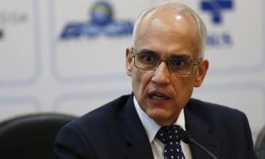 O secretário-executivo do Ministério da Saúde, Antonio Nardi, durante entrevista coletiva Foto: Michel Filho / Agência O Globo