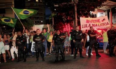 Manifestantes fazem protesto no Rio durante ato a favor de Lula Foto: Uanderson Fernandes / Agência O Globo