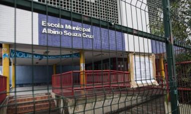 Escolas têm ficado sem aula por conta da violência em áreas de risco Foto: Guito Moreto / Agência O Globo