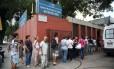 Nova onda de febre amarela tem levado pessoas aos postos Foto: Barbara Lopes / Agência O Globo
