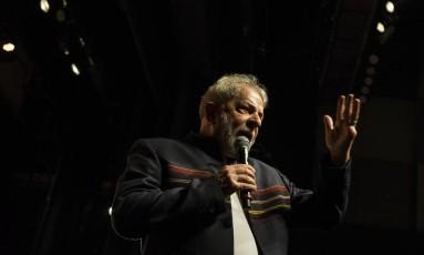 Lula participa de encontro com artistas e intelectuais no Rio Foto: Guito Moreto / Agência O Globo