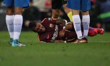 Paulinho se machucou na derrota do Barcelona para o Espanyol Foto: ALBERT GEA / REUTERS