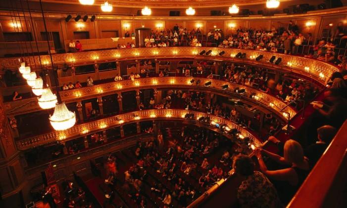 Teatro lotado para apresentação de ópera em Viena: cidade na Áustria é o lar da música erudita Foto: Wolfgang Simlinger / Divulgação