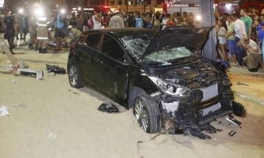 Acidente na Praia de Copacabana, nesta quinta-feira Foto: Antonio Scorza / Agência O Globo
