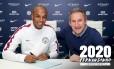 Fernandinho assina renovação de contrato com o Manchester City Foto: Divulgação