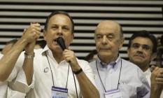 O prefeito João Doria e o senador José Serra, durante convenção estadual do PSDB Foto: Bruno Rocha / Fotoarena/Agência O Globo (12/11/17)