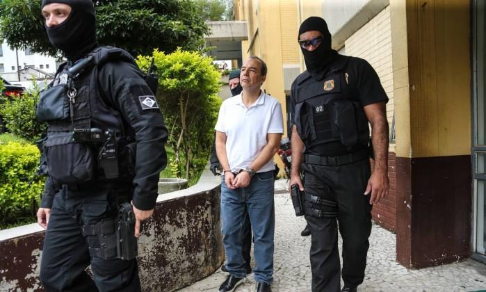 O ex-governador do Rio de Janeiro Sergio Cabral, realiza exame corpo delito no IML em Curitiba (PR) nesta sexta-feira (19) Foto: Geraldo Bubniak / Agência O Globo