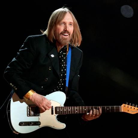 Cantor e músico Tom Petty, em show no Arizona Foto: JEFF HAYNES / REUTERS