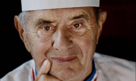 Paul Bocuse, em foto de 2008 posando em Amsterdam Foto: RICK NEDERSTIGT / AFP