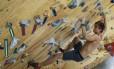 Felipe Ho escala na Casa de Pedra: modalidade entrou no programa dos Jogos Olímpicos Foto: Edilson Dantas / Agência O Globo