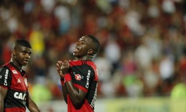 Vinícius Jr. comemora o gol da vitória sobre a Cabofriense Foto: Antônio Scorza / Agência O Globo
