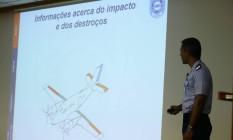 O coronel aviador Marcelo Moreno apresenta relatório sobre acidente que matou Teori Zavascki Foto: Jorge William / Agência O Globo
