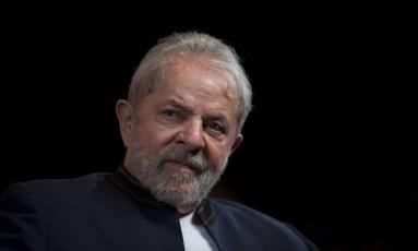 O ex-presidente Lula em evento com artistas e intelectuais no Oi Casa Grande, no Rio Foto: MAURO PIMENTEL / AFP