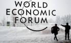 Símbolo do fórum na cidade de Davos. Foto: Fabrice Coffrini/AFP
