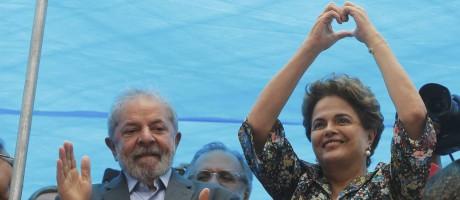 Lula participa de ato junto com Dilma em Porto Alegre Foto: Domingos Peixoto / Agência O Globo