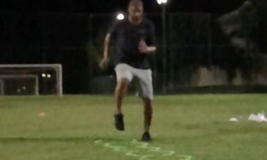 Adriano Imperador treina a parte física Foto: Reprodução