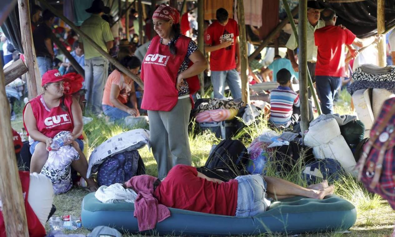 ... e da Central Única dos Trabalhadores (CUT) Foto: Domingos Peixoto / Agência O Globo