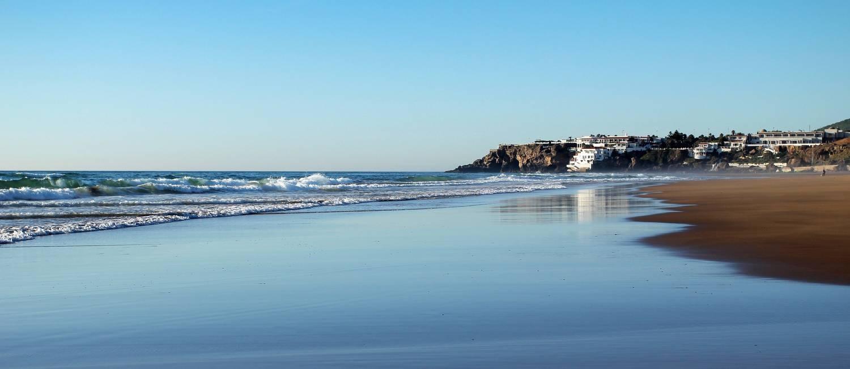 Praia: paisagem em Tânger encantou pintores no século XX Foto: Diivulgação, Ministério do Turismo do Marrocos