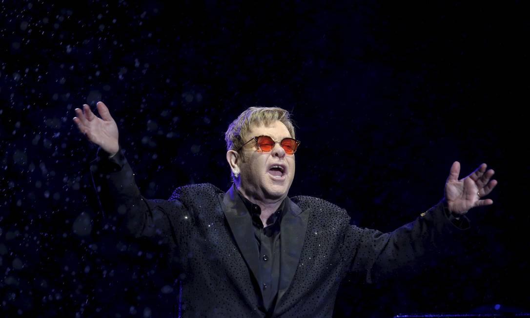 Elton John, em show na Praça da Apoteose, Rio, em abril de 2017 Foto: Marcelo Carnaval / Agência O Globo