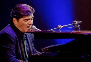 Cantor e pianista gravou um DVD em homenagem à lenda do jazz americano Foto: Divulgação/Maria Helena Melo