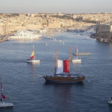 Mar. A cidade de Valeta, na ilha de Malta, e o Mediterrâneo Foto: valletta2018/divulgação
