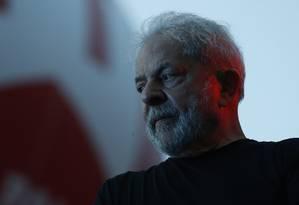 O ex-presidente Lula discursa na Praça da República, em São Paulo Foto: Edilson Dantas / Agência O Globo