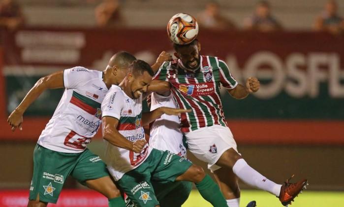Abel admite dificuldades e vê classificação como quase impossível para o Fluminense