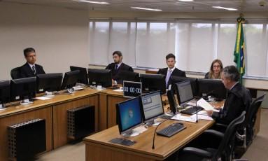 Desembargadores durante o julgamento do ex-presidente Lula Foto: Sylvio Sirangelo/TRF4