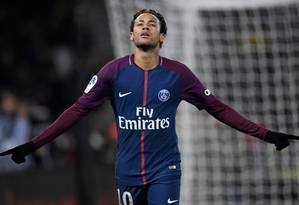 Neymar deixou o Barcelona para defender o PSG Foto: CHRISTOPHE SIMON / AFP