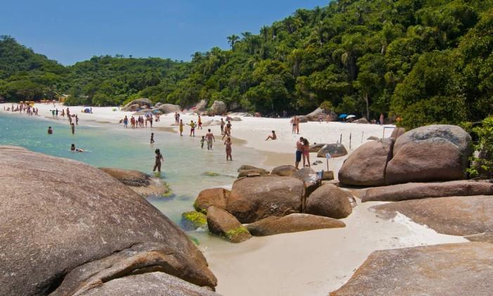 Ilha do Campeche: beleza e tranquilidade em patrimônio tombado pelo Iphan em Florianópolis Foto: Markito / Santur/divulgação