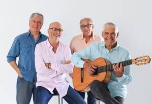 Comemorando 50 anos de carreira, MPB4 volta às origens com show inédito Foto: Divulgação/Camilla Guimarães