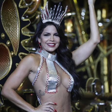 Raissa Machado é rainha de bateria da Viradouro: musa estará no ensaio da escola Foto: Gustavo Miranda/18-01-2018