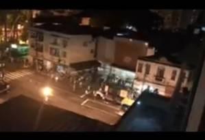 Líder bloco tentou acalmar foliões Foto: Reprodução/Facebook