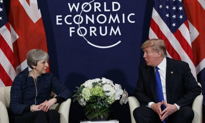 UE oferece transição do Brexit, mas Reino Unido deve