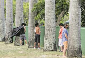 O 'bloco dos mijões' também já está nas ruas Foto: Pedro Teixeira / Agência O Globo