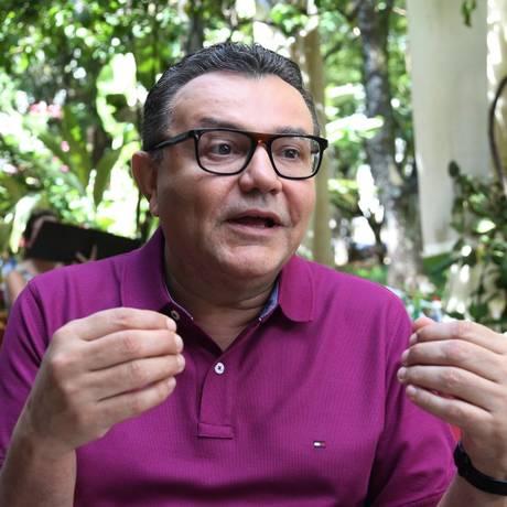 O presidente nacional do PSB, Carlos Siqueira, durante entrevista Foto: Givaldo Barbosa / Agência O Globo