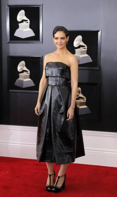 Katie Holmes no tapete vermelho do Grammy 2018 ANDREW KELLY / REUTERS