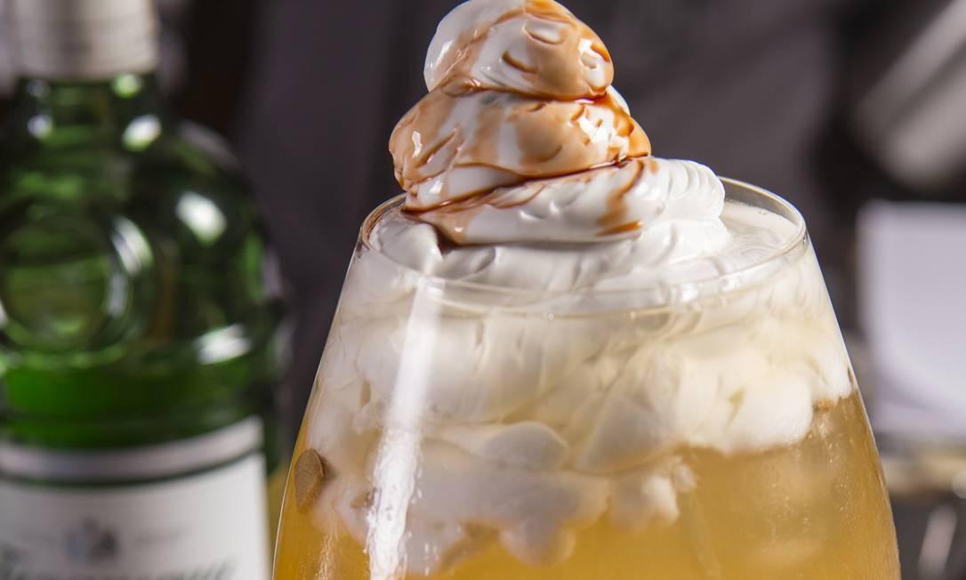 Joe's Pub: o Mandarin Ginger Gin (R$ 25) leva gim, tônica, tangerina, gengibre e angostura. Rua Senador Vergueiro 44 A, Flamengo (2148-3642). Foto: Divulgação/Dante Rebelo